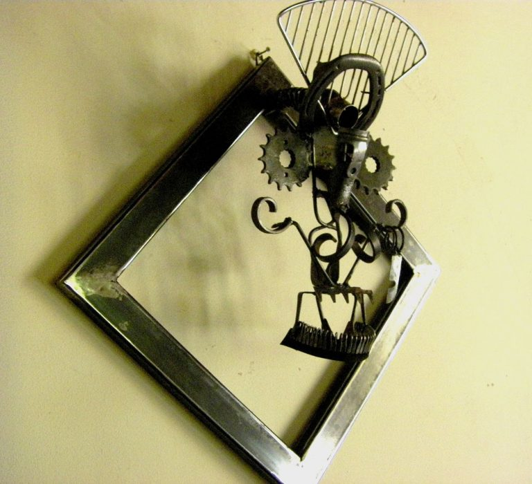 mange clous sculpture récupération