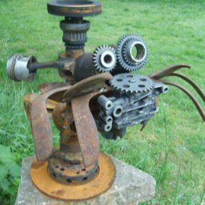 L'araignée déglinguée sculpture métallique